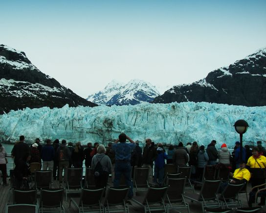 Marjorie Glacier with Crowd