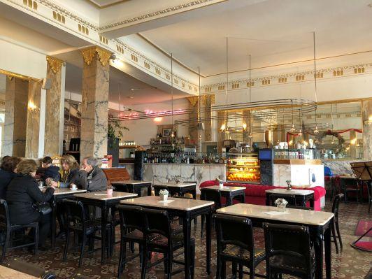 Cafe Vianna Interior