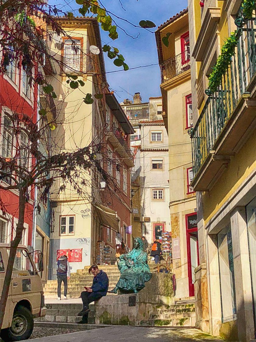 Rua Quebra Costa