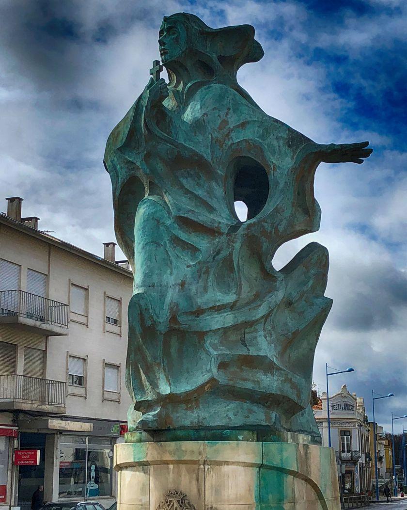 Santa Joanna Statue